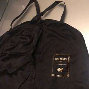 New Long Silk BALMAINxH&M garment zipper bag